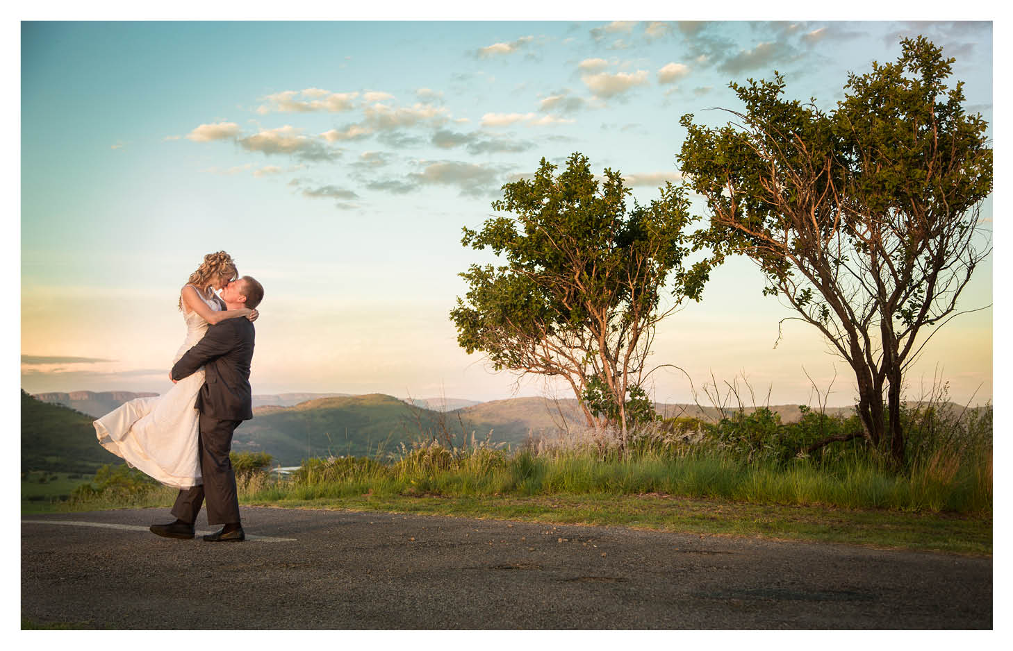 beautiful photography of bride and groom at Amanzingwe Lodge Hartbeespoort