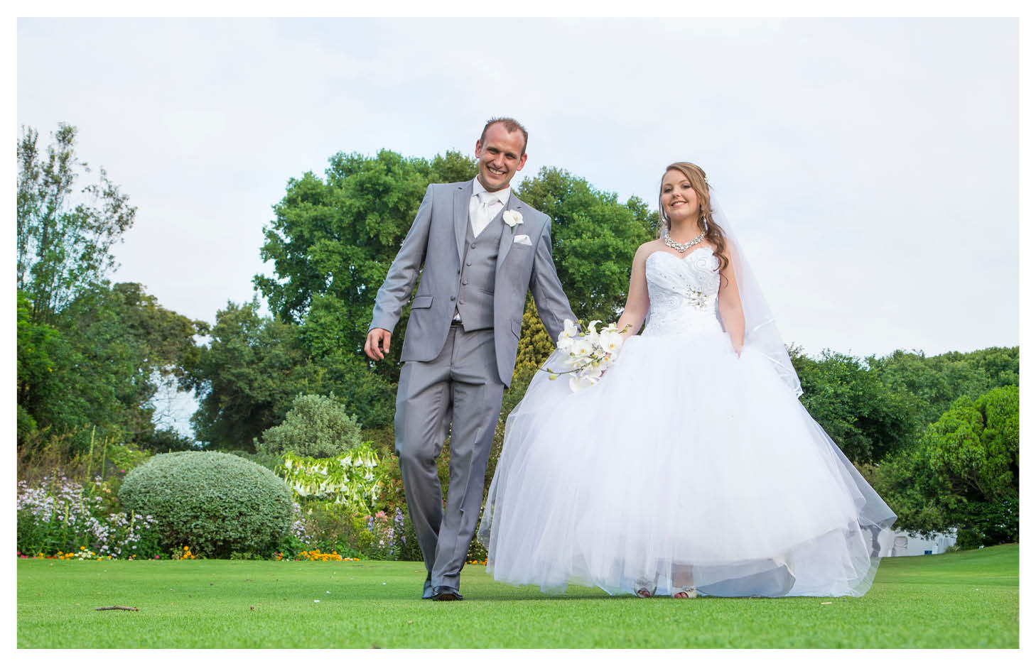 A Classic Wedding - bride and groom photography at the country club johannesburg
